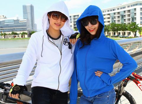 Linh Chi (trái) và Mai Phương (phải). Ảnh: S.T.