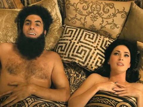 Cô đào bốc lửa Megan Fox đóng vai khách mời đặc biệt (Cameo) trong phim. Ảnh: Paramount.