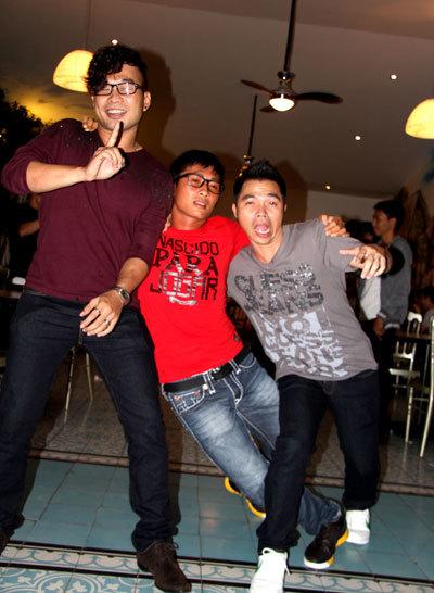 Nhóm MTV (từ trái sang): Anh Tuấn, Thiên Vương, Lê Minh hóa thành những con ma men trong clip mới. Ảnh: L.M.