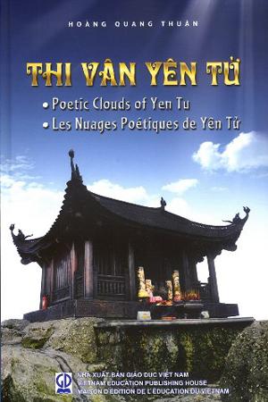Tập thơ 'Thi vân Yên Tử' bản tiếng Anh và tiếng Pháp.
