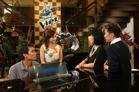 dam-vinh-hung-3-1350378929_480x0.jpg