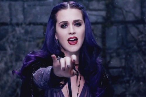 Katy-Perry-Wide-Awake-900-600-600x400-jp