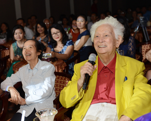Nhạc sĩ Phạm Duy Loạt chương trình giao lưu ca nhạc mừng sinh nhật Phạm Duy, chủ đề
