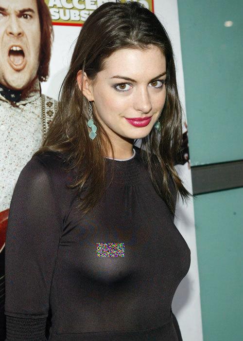 Trước khi diện váy khoe núm vú tại Oscar 2013, Anne Hathaway cũng từng diện trang phục để lộ phần nhạy cảm này.
