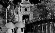 Ảnh đen trắng về Hà Nội xưa của nhà ngoại giao Anh