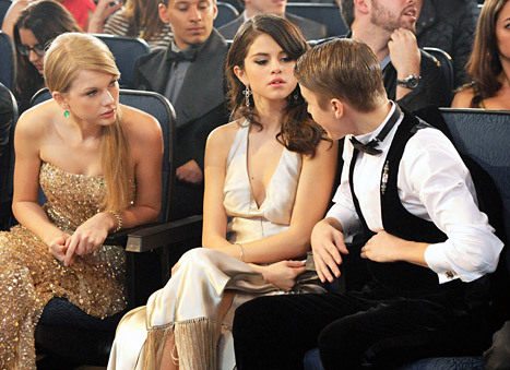 Taylor Swift, Selena Gomez and Justin Bieber at the 2011 American Music Awards.  Read more: http://www.usmagazine.com/celebrity-news/news/selena-gomez-and-taylor-swift-feud-stars-fight-over-justin-bieber-2013148#ixzz2c1dcmndy Follow us: @usweekly on Twitter | usweekly on Facebook