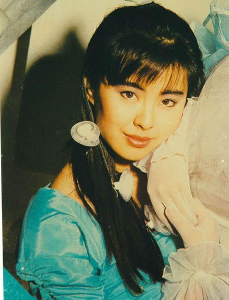 Vương Tổ Hiền từng rất được yêu mến bởi vẻ đẹp thanh tú không tỳ vết. nổi tiếng khắp châu Á với phim Thiện nữ u hồn (A Chinese Ghost Story). Cùng với Trương Mạn Ngọc, Chung Sở Hồng, Quan Chi Lâm, Vương Tổ Hiền là hoa đán nổi danh nhất điện ảnh Hong Kong những năm 1990.