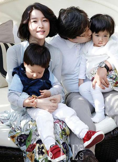 Lee Young Ae bí mật kết hôn hồi tháng 8/2009.