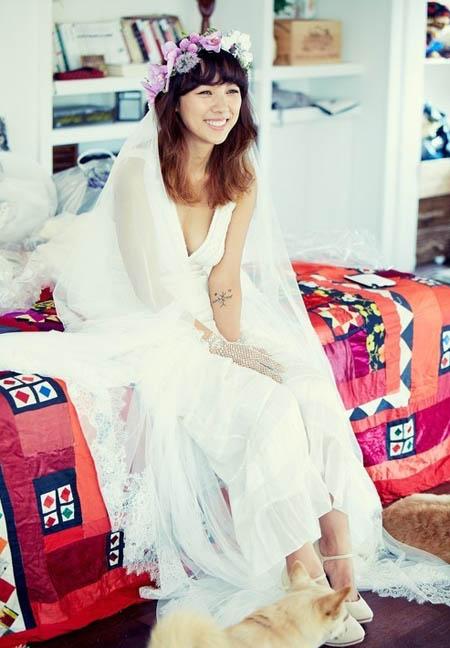 Lee Hyori đẹp tươi trẻ, lãng mạn trong ngày trọng đại.
