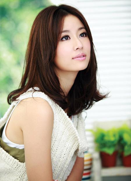 Lâm Tâm Như sinh năm 1976 ở Đài Bắc, Đài Loan, là diễn viên, nhà sản xuất thành công. Cô rất được yêu mến bởi vẻ đẹp hiền dịu, ngọt ngào.