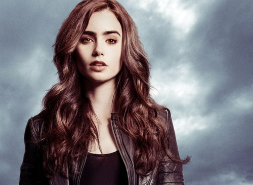 Lily-Collins-Pictures4-6942-1378799842.j