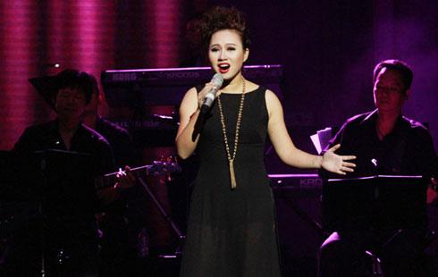 Khánh Linh với bản Nocturne và Dreamcatcher (nhạc Secret Garden, lời Việt Dương Thụ).