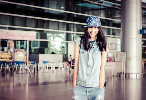 Sáng này 22/9, Huyền Trang đã về đến Sài Gòn sau một cuộc hành trình ngắn khám phá kinh đô thời trang London.