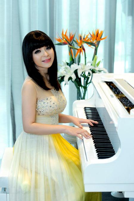 Ca sĩ Ái Vân trong lần về nước biểu diễn vào năm 2012. Ảnh: Lý Võ Phú Hưng.