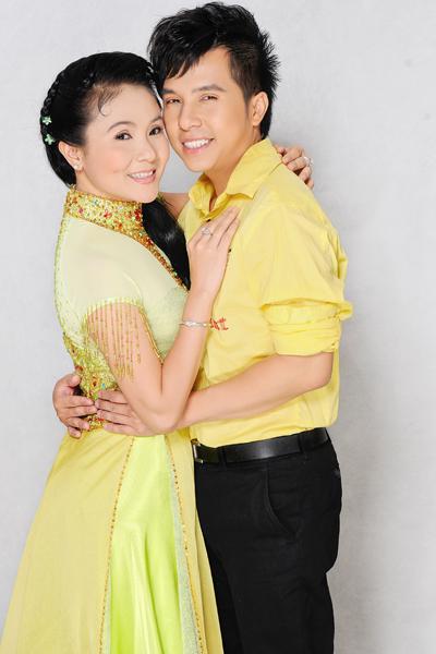 Ca sĩ Dương Đình Trí và NSƯT Thanh Ngân trở thành đôi song ca ăn ý trên sân khấu tân nhạc.