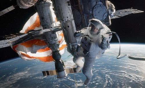 """Bối cảnh phim """"Gravity"""" được đặt hoàn toàn ngoài không gian tĩnh lặng. Ảnh: Warner Bros."""