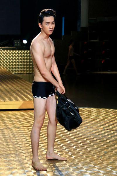 Thí sinh siêu mẫu diện bikini kẻ sọc - 3