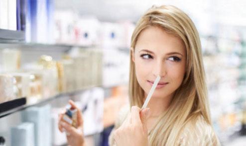 Không nên dùng thanh thử khi muốn biết mùi hương nào là hoàn hảo với cơ thể mình.