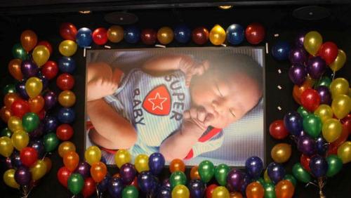 Kimi (hay Tiểu Tiểu Chí) là con trai tài tử Đài Loan Lâm Chí Dĩnh và người mẫu Trần Nhược Nghi. Cậu bé sinh ngày 15/9/2009.