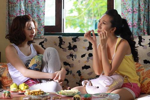 """Vân Trang và Lều Phương Anh trong phim """"Tiền Chùa""""."""