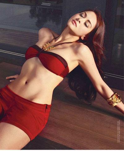 Từ năm 2006 đến năm 2013, cô ấy liên tục lọt vào top 100 người đẹp sexy nhất Philippines (được bầu chọn bởi FHM - tạp chí nổi tiếng dành cho nam giới).