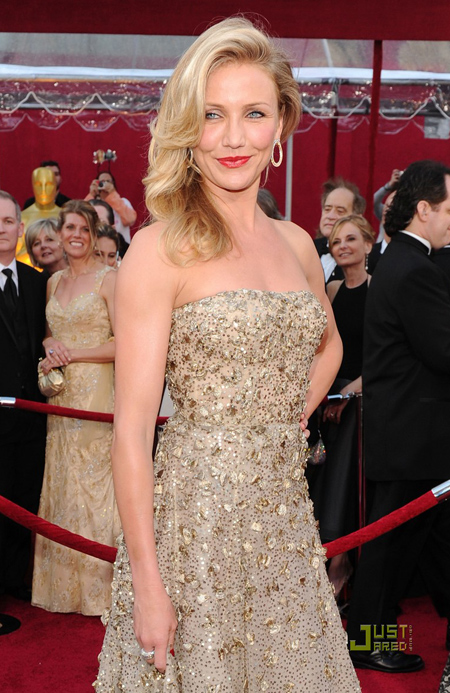 cameron-diaz-2010-oscars-red-c-8845-9487