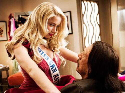 Amber Heard là một trong những bóng hồng của phim. Ảnh: A Company.