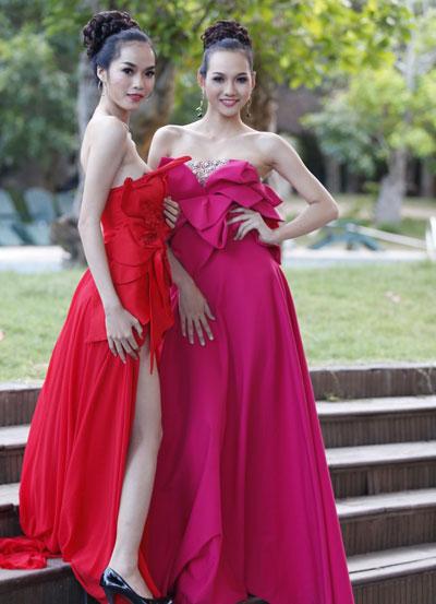 Người mẫu Kim Ngân (trái) và Thoại Tiên.