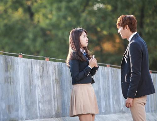 Đoạn phim thuộc tập 8, lên sóng đài SBS vào 31/10.