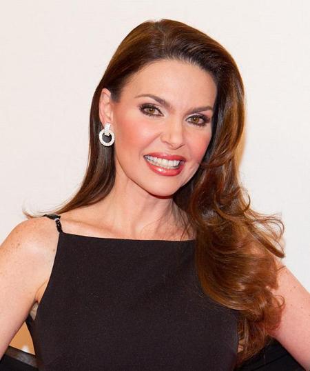 Sau khi đăng quang, bà làm việc như một người dẫn chương trình truyền hình trong hơn hai thập kỷ, và là người phát ngôn của các tập đoàn đa quốc gia ở Mỹ và Mỹ Laton. Bà sáng lập tập đoàn Barbara Palacios từ năm 2010, công ty đóng ở Ú, sản xuất các sản phẩm cho phụ nữ.