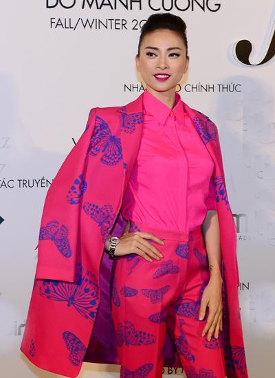 Khác với các người đẹp, Ngô Thanh Vân chọn trang phục khá nam tính trong bộ sưu tập mới của Đỗ Mạnh Cường.