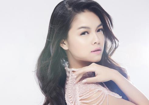 Nữ ca sĩ Phạm Quỳnh Anh.