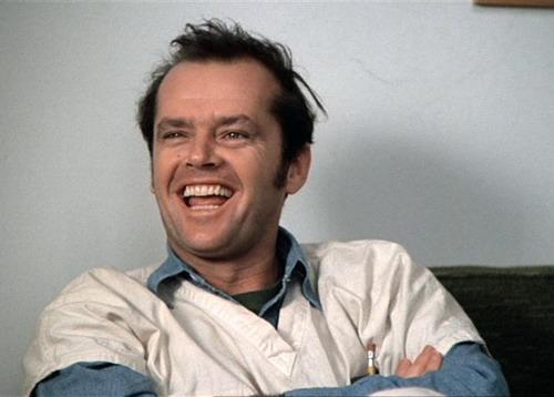 Jack Nicholson giành tượng vàng Oscar với vai McMurphy - thủ lĩnh của trại thương điên.
