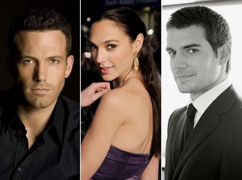 """Gal Gadot sẽ sánh vai bên hai tài tử Ben Affleck (trái) và Henry Cavill trong """"Batman vs. Superman""""."""