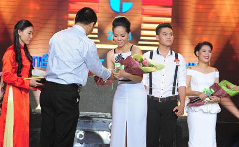 Đứng thứ hai sau Trung Kiên là Phạm Khánh Ngọc  một trong những thí sinh xuất sắc nhất của Tiếng hát Truyền hình 2013 với bề dày thành tích đáng nể. Cô cũng là thí sinh được Ban Giám khảo chuyên môn đánh giá cao nhất về khả năng thanh nhạc. Ngoài giải Nhì trị giá 60 triệu đồng, Phạm Khánh Ngọc còn đoạt giải thí sinh có tổng bình chọn cao nhất từ khán giả qua 5 đêm chung kết.
