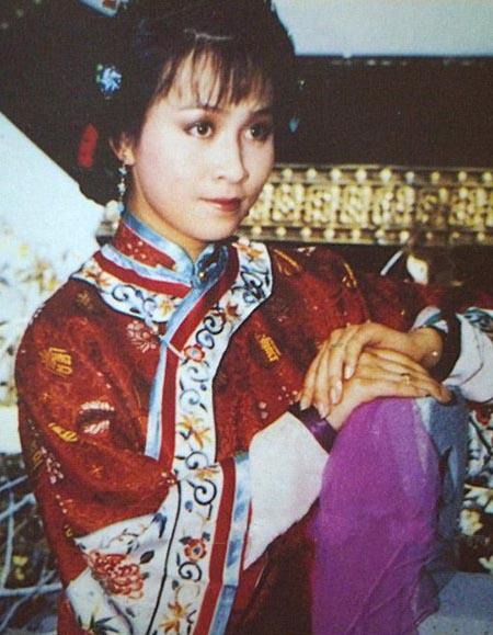 Lưu Gia Linh trong Hoàng thượng bảo trọng, phim ra mắt năm 1985.