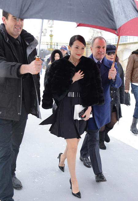 h danh dự của show diễn Dior trong tuần lễ thời trang Paris, ngày 21/1.