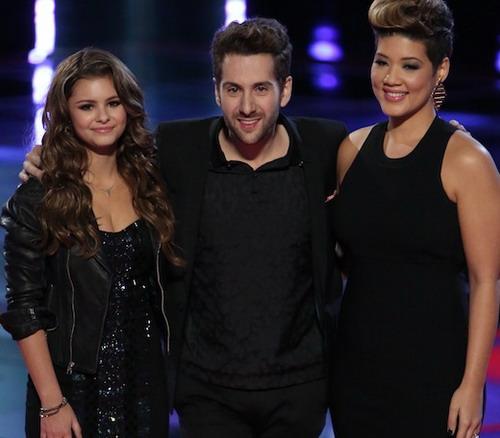 Top 3 Giọng hát Mỹ mùa thứ năm (từ trái sang) - Jacquie Lee (á quân), Will Champlin (đứng thứ ba) và Tessanne Chin (quán quân).
