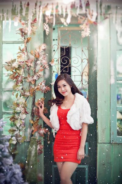 Vừa chính thức đóng máy bộ phim truyền hình 16 tập của Đài truyền hình Việt Nam mang tên Viết tiếp bản tình ca (đạo diễn Vũ Minh Trí), Thuỳ Linh đã thanh thủ khoảng thời gian nghỉ của mình trước khi thực hiện chương trình quan trọng trao giải Bài hát của năm của chương trình BHYT.
