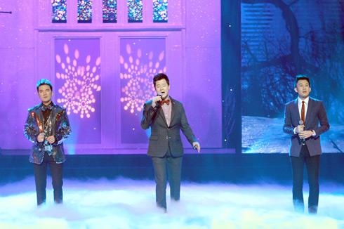 Tiết mục đỉnh nhất của đêm nhạc có lẽ thuộc về màn tam ca có một không hai giữa Quang Dũng- Đàm Vĩnh Hưng  Dương Triệu Vũ trong hai ca khúc cùng tên của hai nhạc sĩ Thanh Tùng, Lam Phương: Một mình.