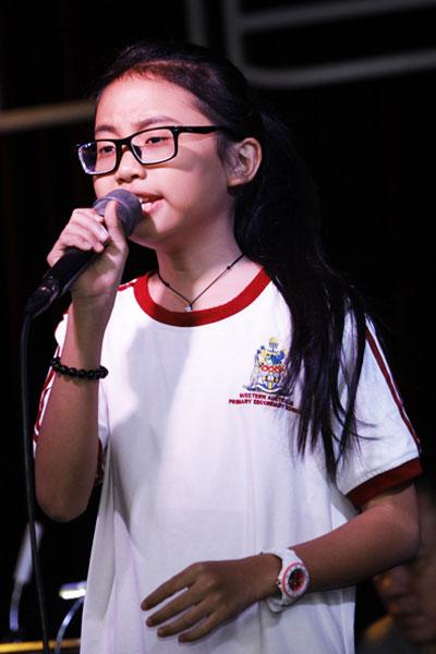 Phương Mỹ Chi tích cực tập luyện cho đêm diễn cùng cô út vào tối 25/12.
