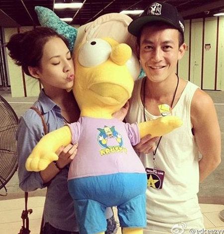 Tháng 7/2012, Quán Hy gặp gỡ Ann Hong (Hồng Văn An) ở Đài Loan.Cô gái này vốn là nhân viên trong cửa hàng thời trang của anh. Hai người nhanh chóng trở thành một cặp. Quán Hy đã đưa Ann đi du lịch Mỹ, thường xuyên đưa cô gặp gỡ bạn bè&