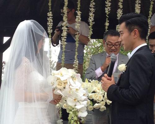 Bố Lưu Khải Uy phát biểu trong ngày trọng đại của con.