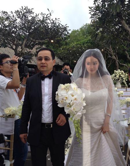 Dương Mịch đẹp dịu dàng trong ngày cưới.