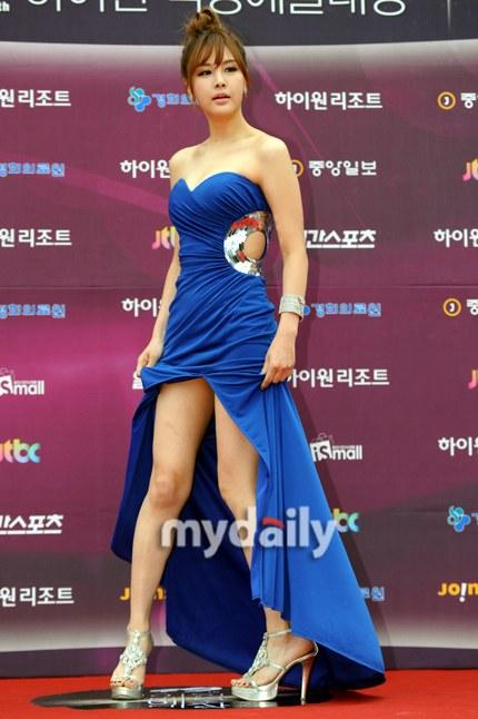 Park Eun Ji tại lễ trao giải  Baeksang 2013.