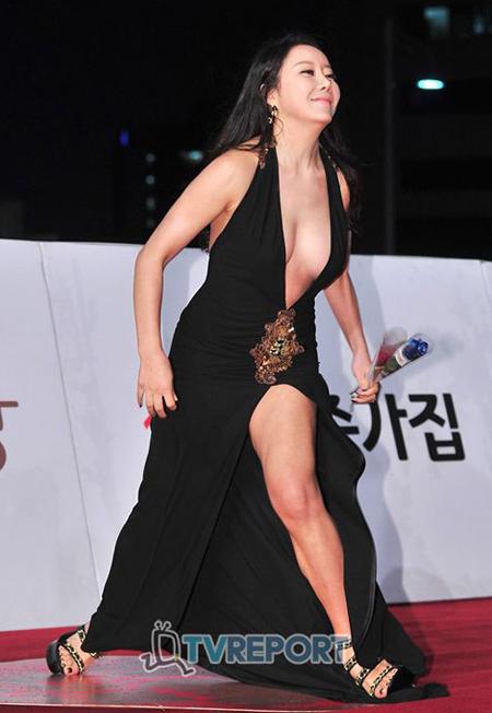Na Kyung hẳn đã mất thời gian nghiên cứu
