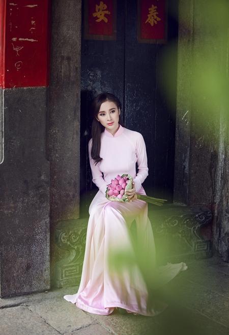 angela-Phuong-trinh-3-JPG-4184-138976248