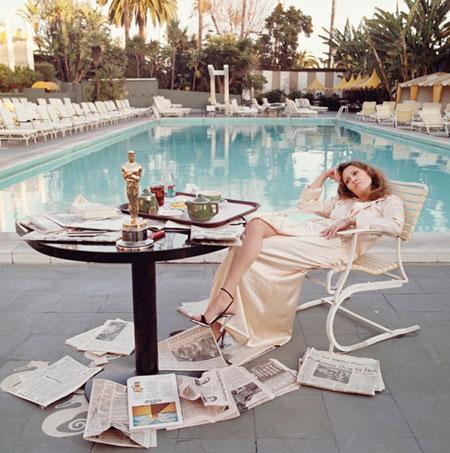 Faye Dunaway (1977), một ngày sau khi thắng giải Oscar.