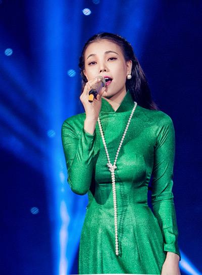 """Câu chuyện đầu năm"""" cũng là ca khúc nằm trong dự án âm nhạc mừng mùa Xuân của Trà Ngọc Hằng sắp phát hành trong thời gian tới."""