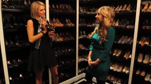 """Là """"tay chơi"""" thời trang khét tiếng ở Hollywood, Paris Hilton sở hữu một phòng chứa giày khổng lồ với đủ nhãn hiệu, kiểu dáng và màu sắc."""
